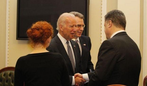 Ukraine should work on eradication of corruption and strengthening of Armed Forces – Poroshenko