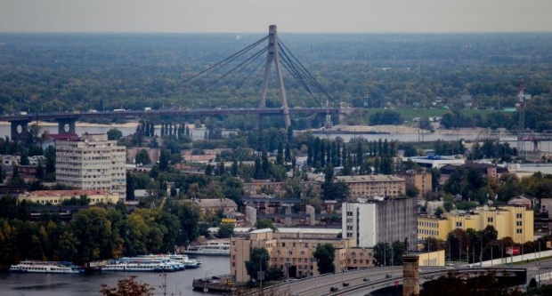 На Московському мості з'явиться смуга для громадського транспорту / Фото УНІАН