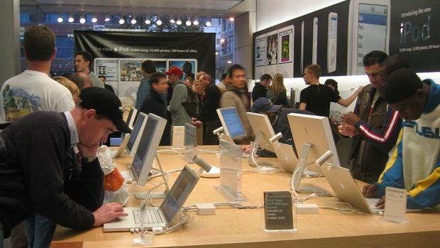 Прибыль Apple за квартал увеличилась до $10,22 млрд / en.wikipedia.org