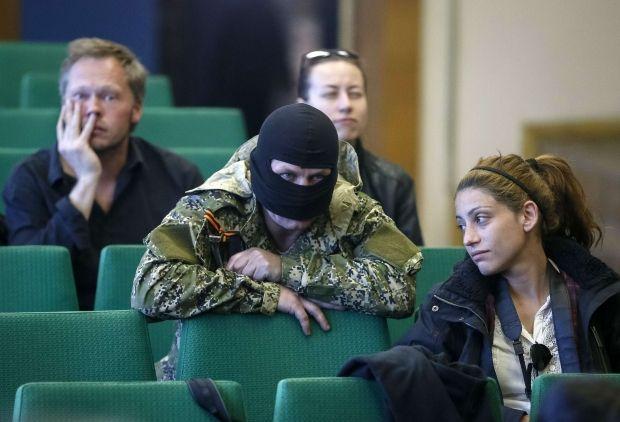 В Славянске ввели новые правила аккредитации журналистов / Reuters