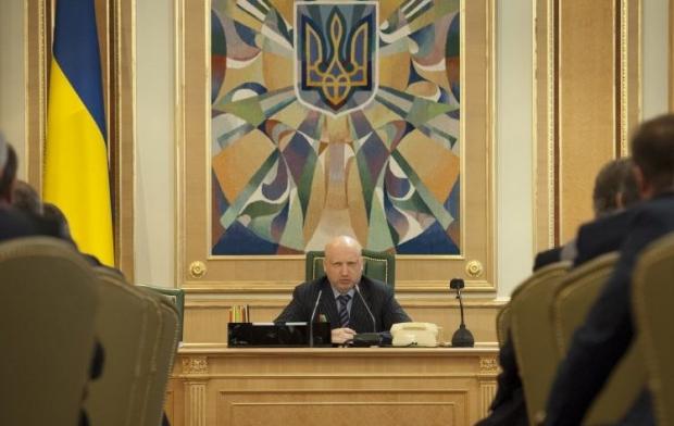 Турчинов назвал первоочередную задачу власти