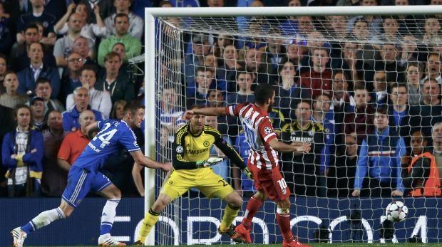 Туран забивает гол в ворота