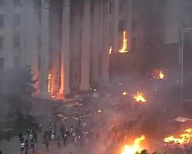 По подсчетам журналистов, в столкновениях в Одессе погибли 43 человека. Кадр Youtube