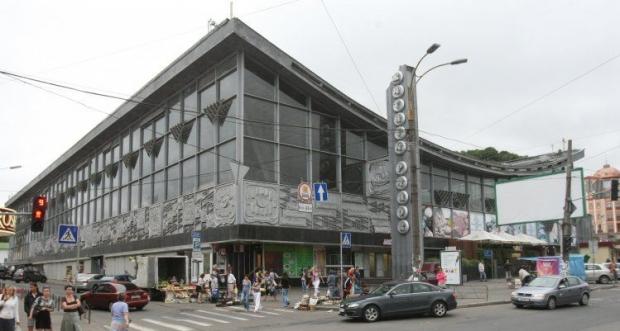 У Києві директора Житнього ринку спіймали на хабарі – прокуратура