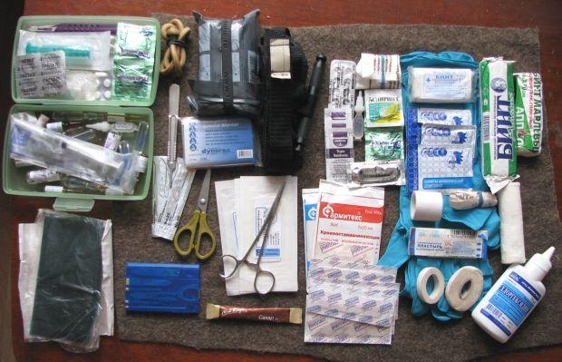 Запас перевязочных средств и обезболивающих препаратами в больницах Славянска на исходе / Фото: guns.ru