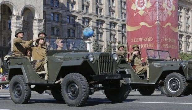 В Киеве отменили парад Победы