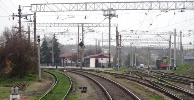 На Донетчине поезда пустили в обход после подрыва террористами ж/д путей / Фото УНИАН