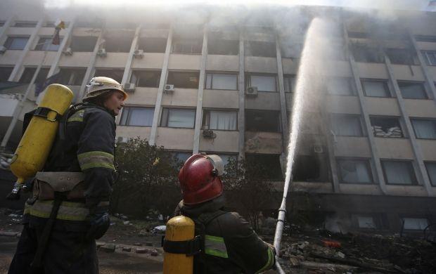 В Мариуполе снова загорелся горсовет / REUTERS
