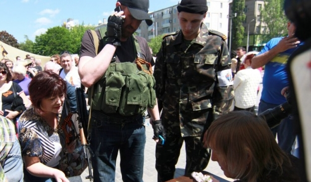 Порошенко предлагает провести референдум без автоматов