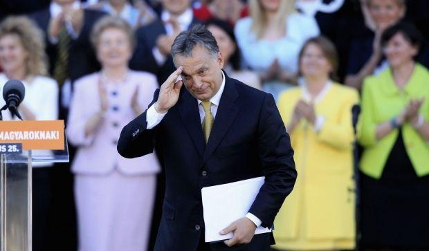 Туск раскритиковал Орбана за заявления об автономии венгров в Украине / REUTERS