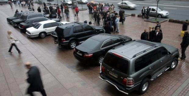 Украинцы стали покупать меньше автомобилей / Фото УНИАН