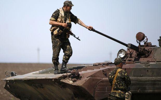 В Минобороны заявили, что погибло немного больше 20 военных / REUTERS