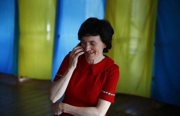 Украинцы активно голосуют на участках в Польше / REUTERS