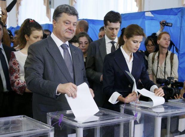 Телевізійний езит-пол віддав перемогу Петру Порошенко / REUTERS