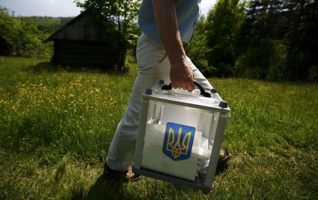 На цих виборах було зафіксовано чимало махінацій / REUTERS