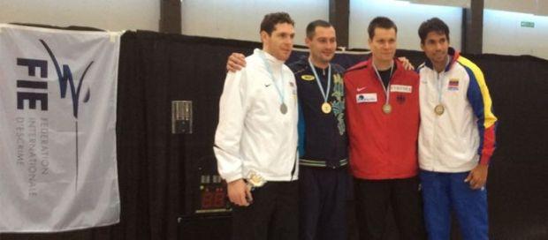 Богдан Никишин (второй слева) завоевал в Аргентине первое место / nffu.org.ua