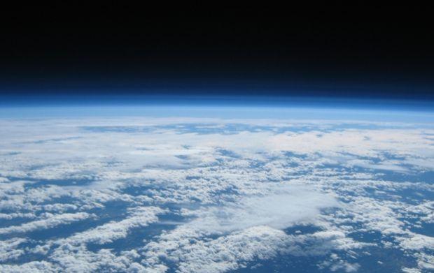На фото - планета Земля в космосе / wikimedia.org