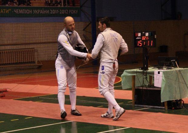 Андрей Погребняк (слева) не смог пройти в Гаване дальше 1/32 финала / xsport.ua
