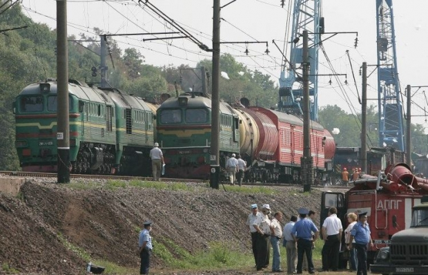 Minibus collides with freight train near Kyiv. 3 people die/Photo UNIAN