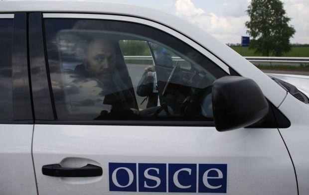 Террористы говорят, что освободили еще четверых представителей ОБСЕ / REUTERS