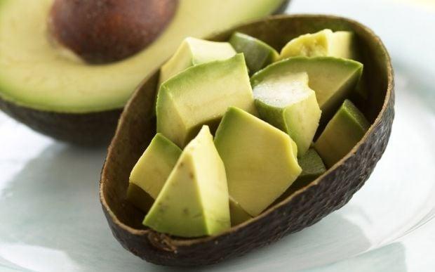 Авокадо - вкусный и полезный фрукт / Фото: hochu.ua