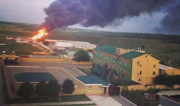 Під час бою з терористами на території бази луганського прикордонного загону сталася пожежа / colonelcassad.livejournal.com