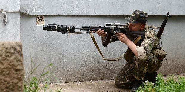 Ukrainian soldiers eliminate 2 tanks, 3 APCs and 2 trucks with weapons of terrorists – Tymchuk/ Twitter gazeta.ru
