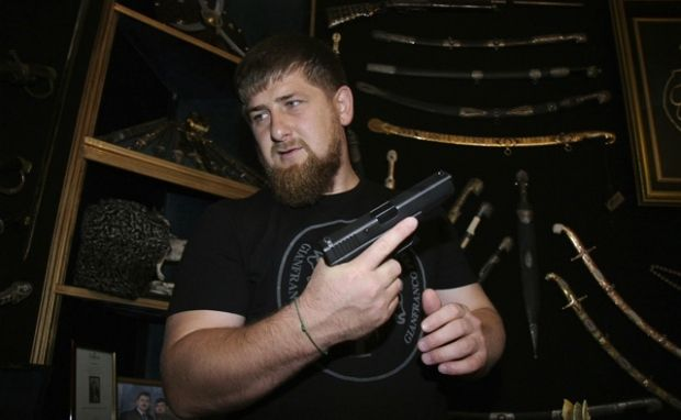 Кадырова продолжают награждать медалями / kremlintower.com