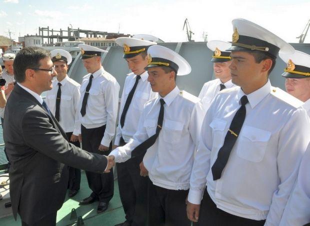 Голова Кіровоградської ОДА передав радіолокаційну станцію Флоту / Міноборони України