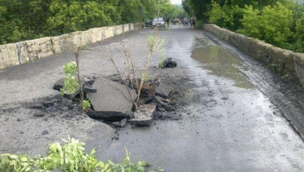 Террористы подорвали автомобильный мост в Донецкой области / Донецкая ОГА