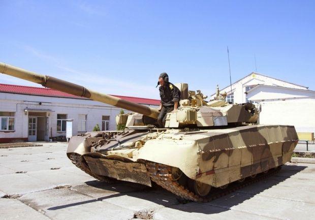 Курсанти вчаться на новітніх танках