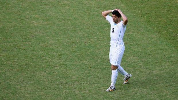 Суарес теперь нескоро поможет своей сборной в матче чемпионата мира / fifa.com