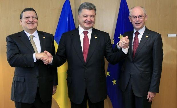 Ukraine and EU sign Association Agreements on full scale/REUTERS