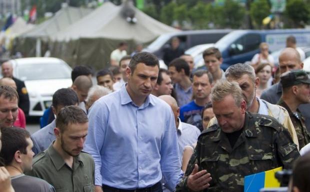 Кличко говорит, что продолжает переговоры с активистами / Фото УНИАН