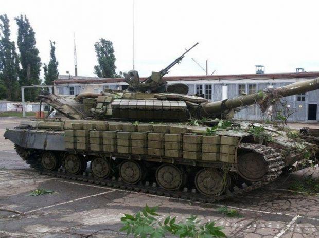 Танк Т-64БВ прибыл из России