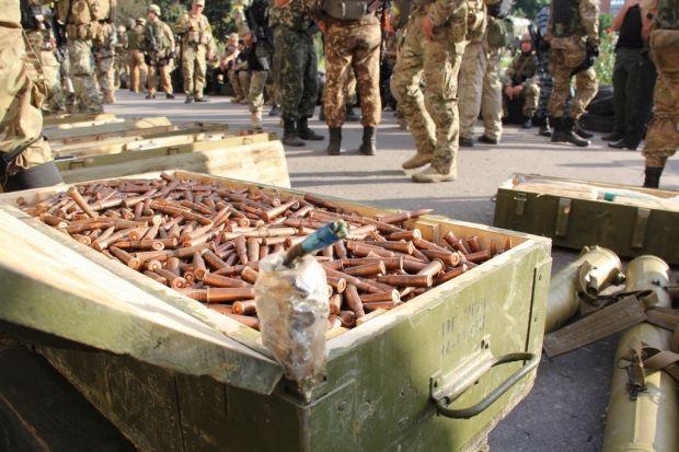 В подвалах Славянска найдено большое количество боеприпасов