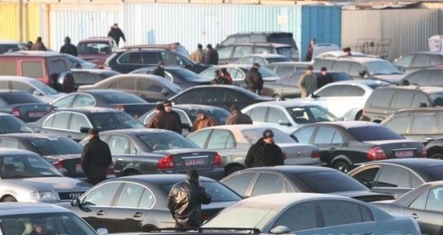 В Украине стали больше покупать подержанные автомобили / Фото УНИАН