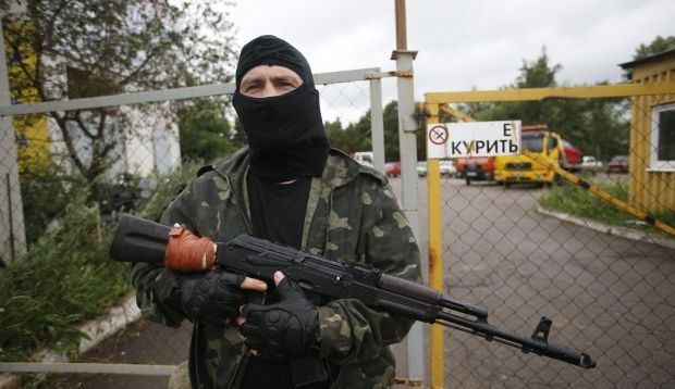 Terrorists fire from mortars at airport and dwelling houses in Luhansk/ REUTERS