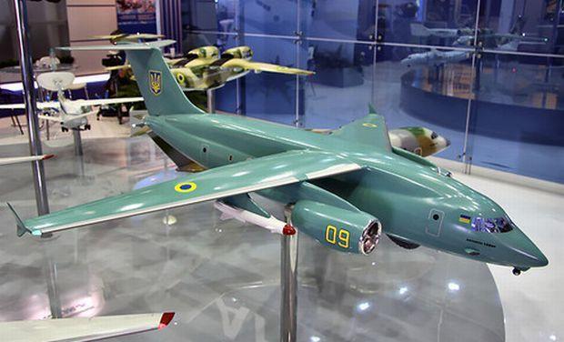 Модель Ан-178 / фото www.aviaport.ru