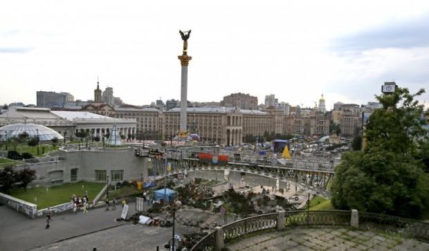 По мнению эксперта, Институтская фактически превратилась в самодельный народный мемориал / УНИАН