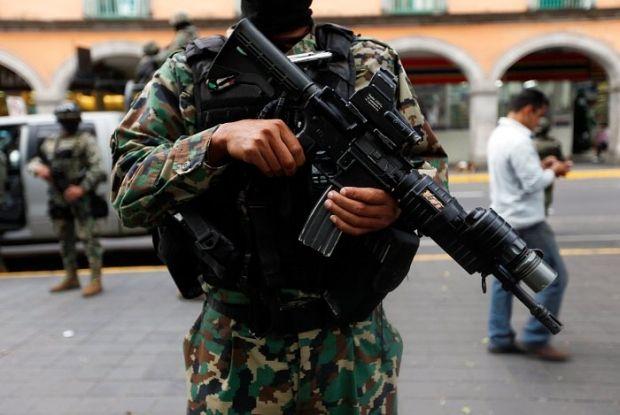 военный мексика / REUTERS