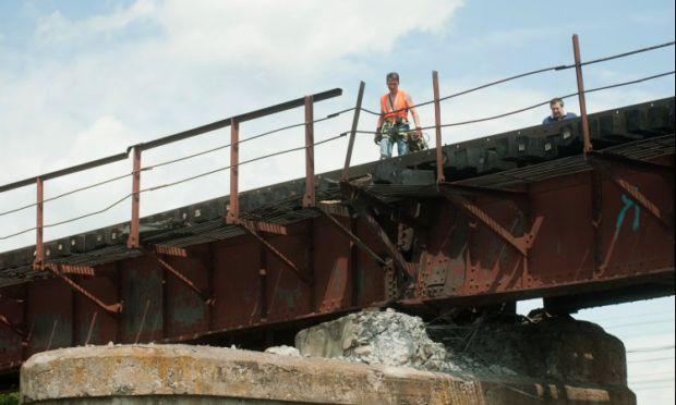 В Луганской области подорван мост / УНИАН