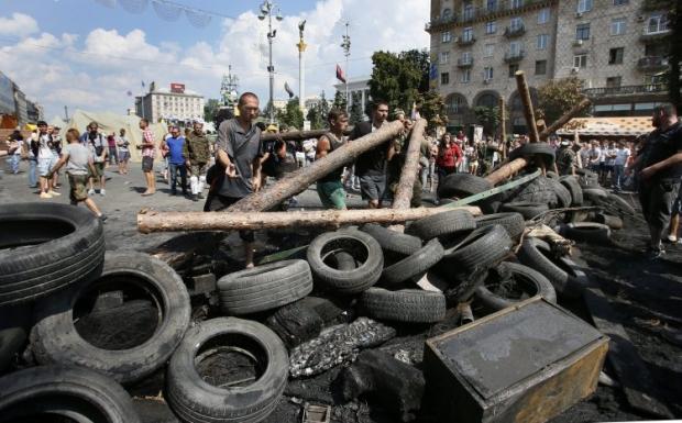 На Майдані зведено нові барикади / УНІАН