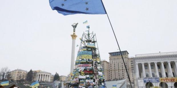 Мер Києва пообіцяв прибрати ялинку з Майдану/ фото УНІАН