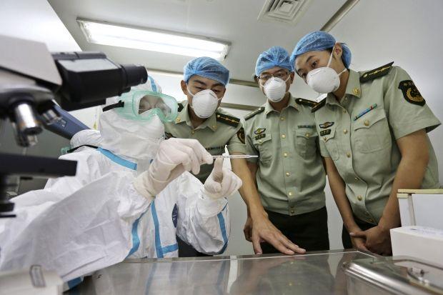 Борьба с лихорадкой Эбола в Либерии была неэффективной - ВОЗ  / REUTERS