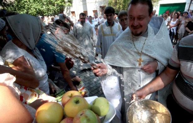 Сегодня празднуют яблочный спас фото