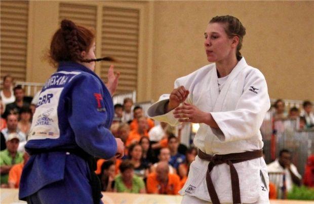 Людмила Дроздова (в білому кімоно) принесла Україні 8-му медаль Ігор в Нанкіні / judoinfo.kiev.ua