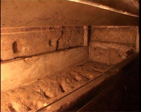 Каменный гроб - место положения тела Пресвятой Богородицы. Гефсимания
