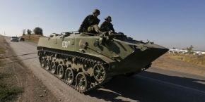 В Луганск зашли три колонны военной техники из России – очевидцы