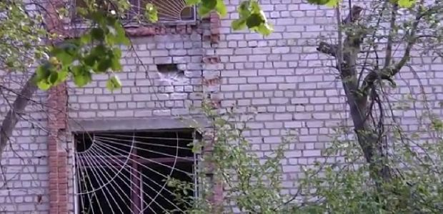 У Харкові обстріляли військкомат / скріншот відео youtube